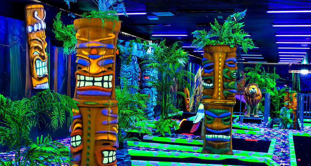 Jungle Golf totems